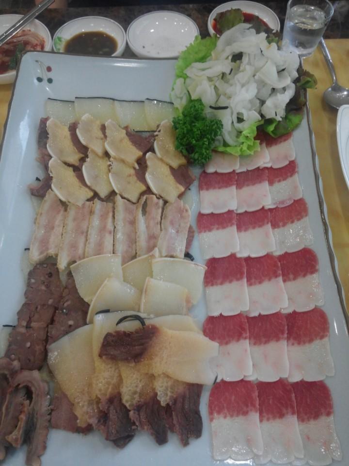 부산맛집-고래고기1.jpg