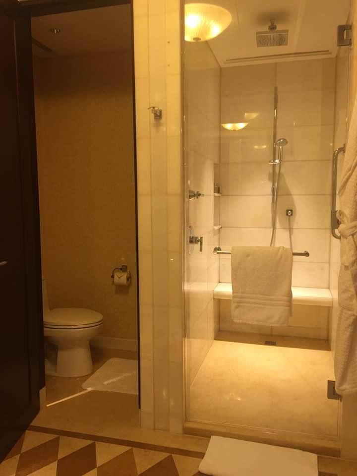 포시즌-샤워실.jpg